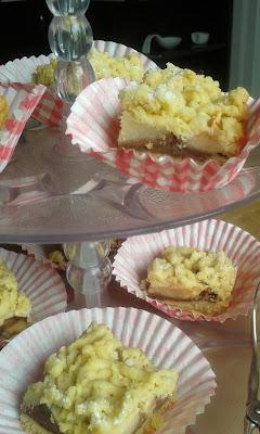 ciasto z jabłkiem i budyniem