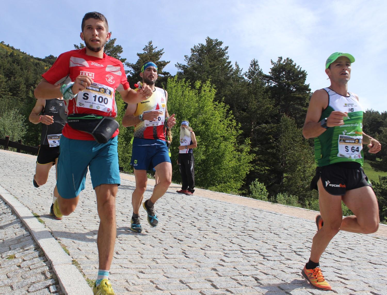Manuel Merillas, junto a Jessed Hernández y Dani García, en el Maratón Alpino. /TRAILCYL