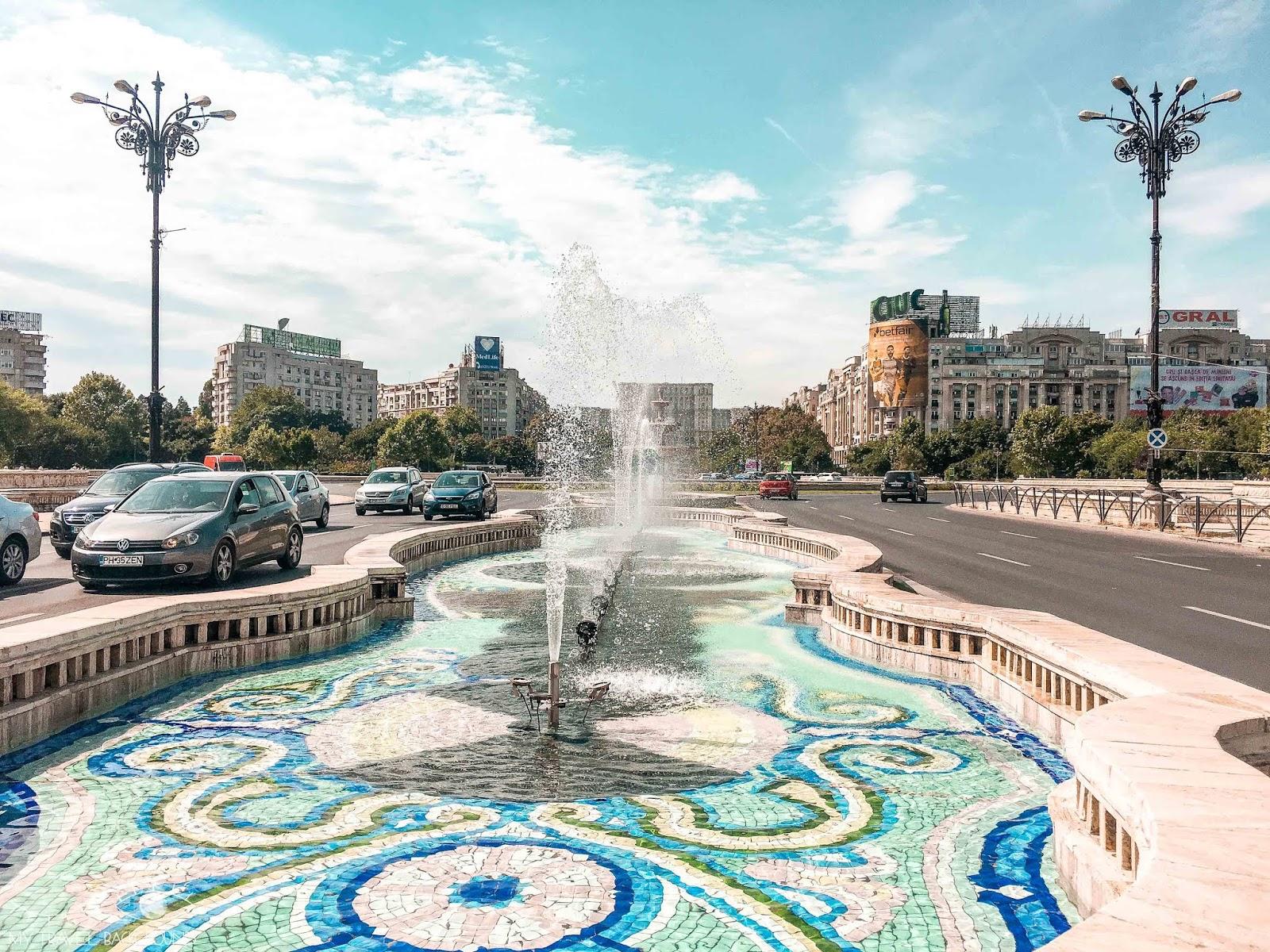 My Travel Background : 3 jours à Bucarest en Roumanie - Place Unirii