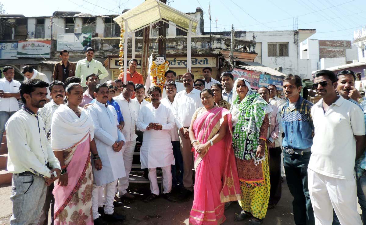 bjp-jhabua-azad-immolation-day-भाजपा नगर मंडल  ने मनाया अमर शहीद चन्द्रशेखर आजाद का बलिदान दिवस