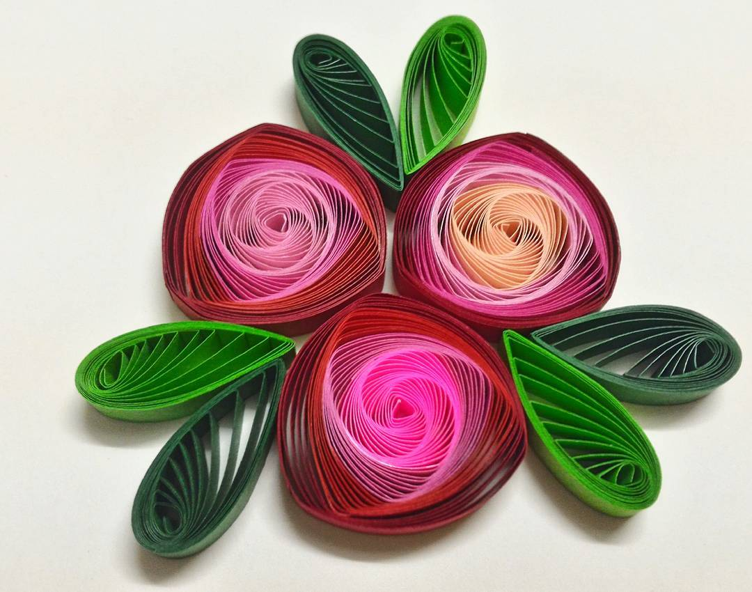 How to make quilling vortex coils with a slotted quilling tool