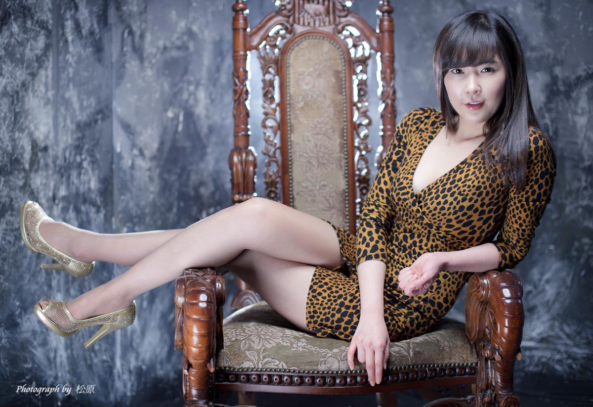 [Kim Yoo Yeon] 2010.12.12 - Leopard Mini Dress