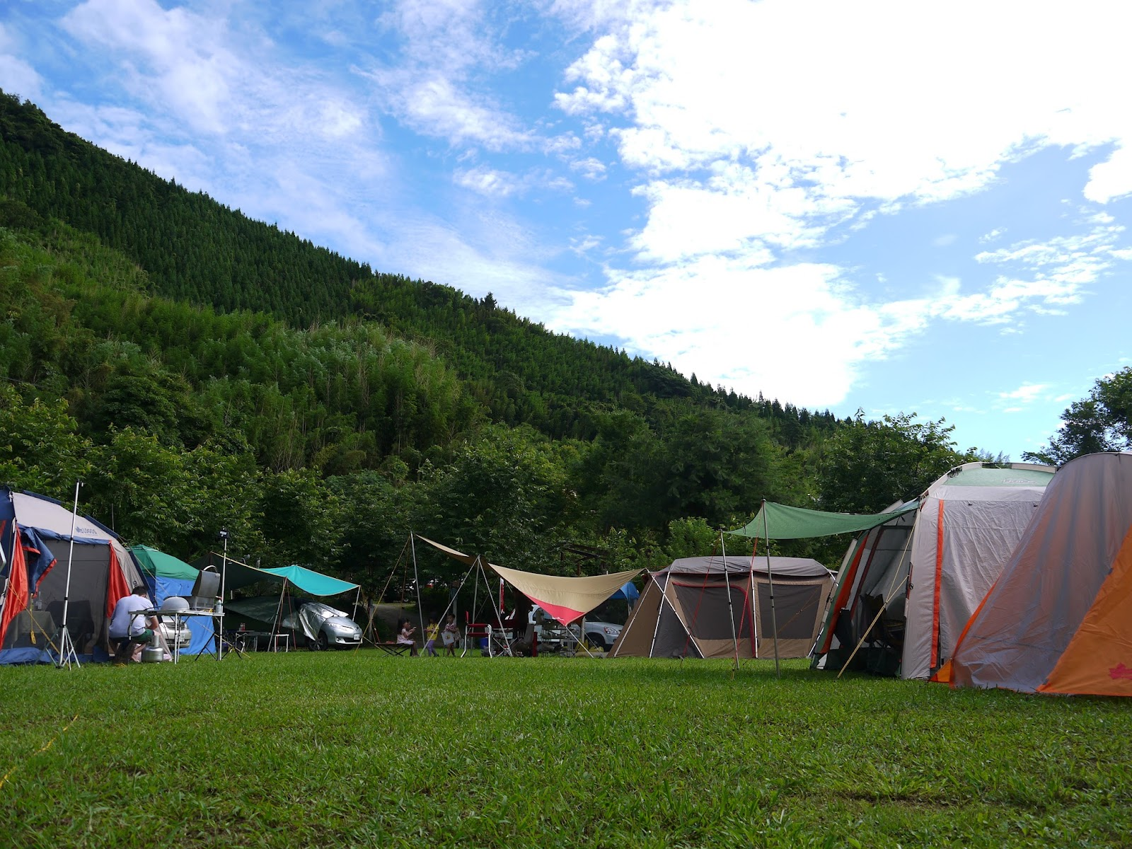 走出戶外去探險: 2012 06 09-10 再訪樂哈山
