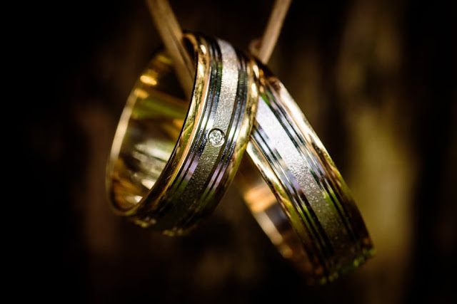 Free To Use Silver-Gold Wedding Ring