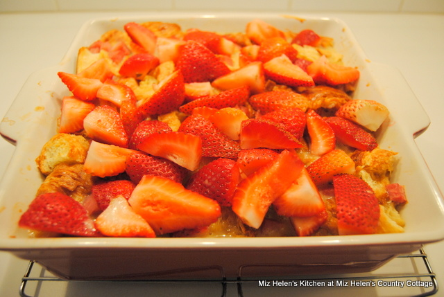 Strawberry Breakfast Bake at Miz Helen's Country Cottage