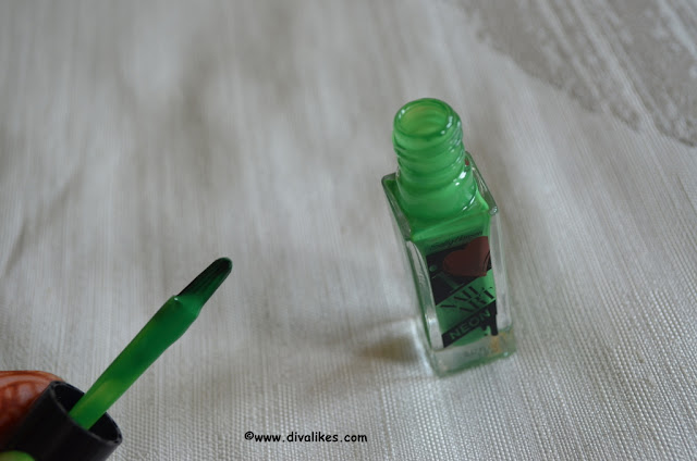 Sally Hansen I Heart Nail Art Neon Nail Color Hot Wasabi Applicator