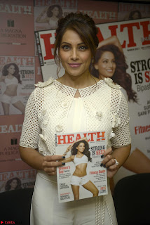 Bipasha Basu Launches Health Magazine March 2017 10.jpg