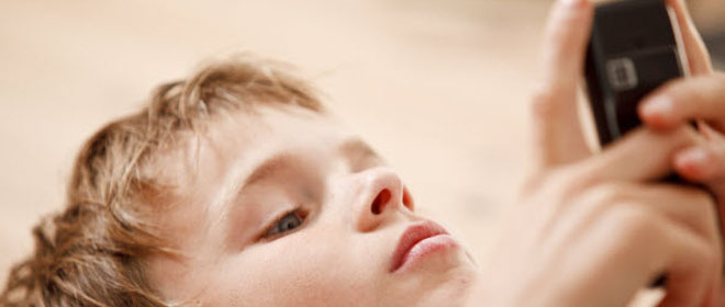 Bahaya bagi anak sering berlebih menggunakan gadget