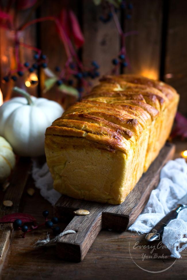 drożdżowy chlebek dyniowy odrywany