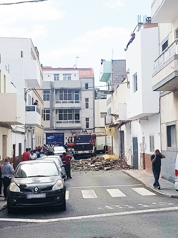 Se cae un balcón en San Bartolomé de Tirajana, Gran Canaria