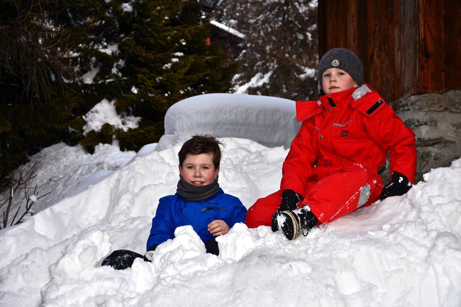 k niglicher beobachter d nemark kronprinzenkinder im schnee. Black Bedroom Furniture Sets. Home Design Ideas