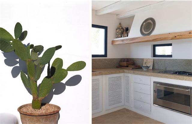 Villa Surga en Ibiza cocina boho con muebles blancos chicanddeco