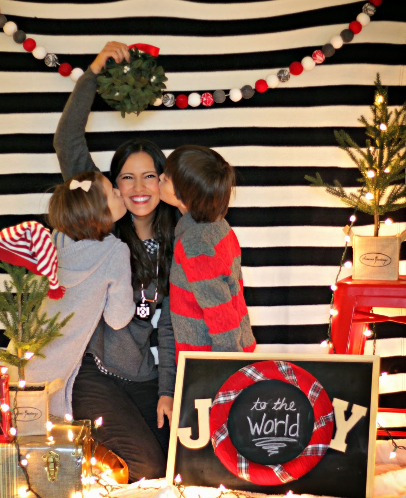 easy christmas photo backdrop - Our Fifth House
