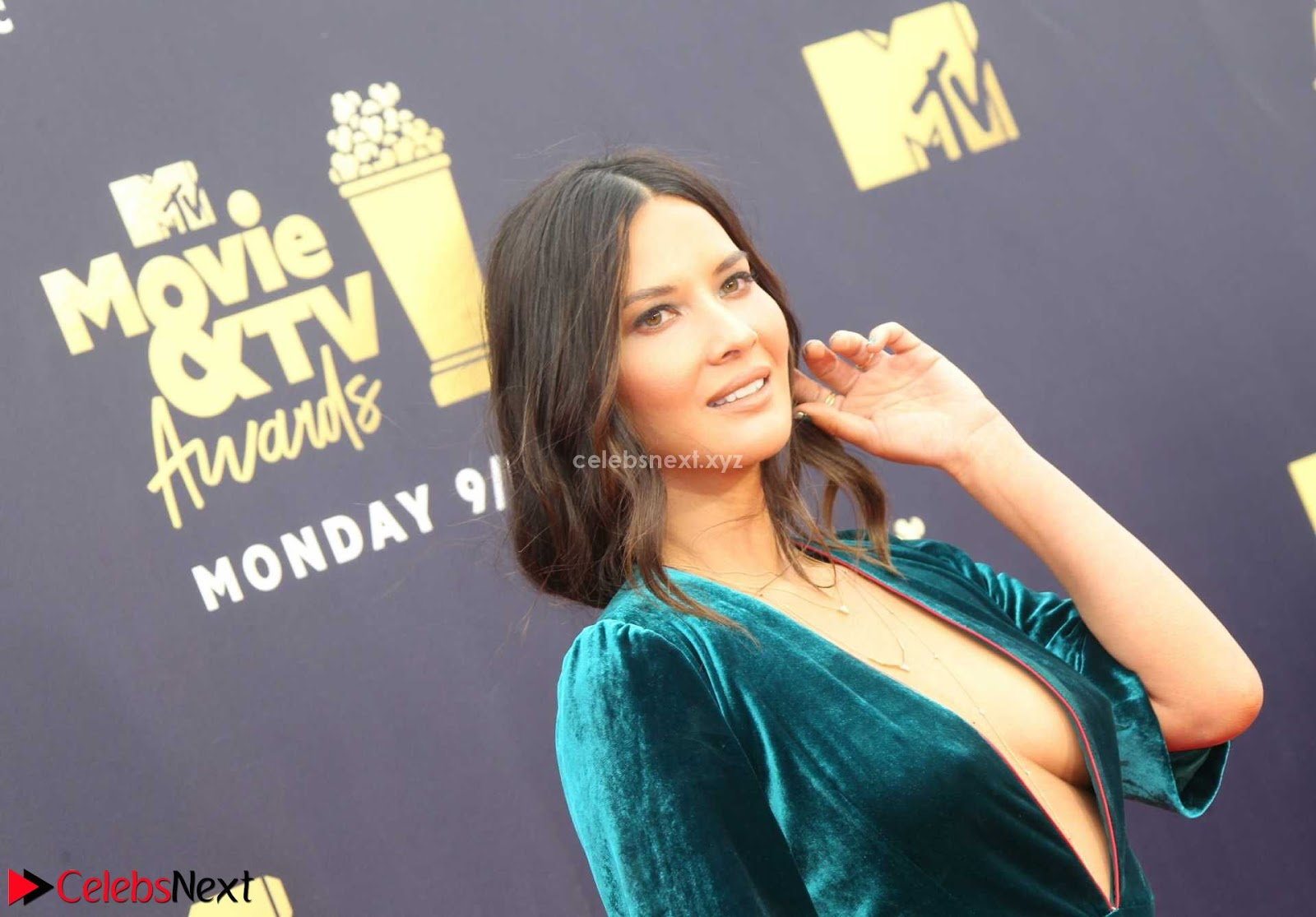 Olivia Munn exposing super sexy Boobs side boobs and lovely ass shape