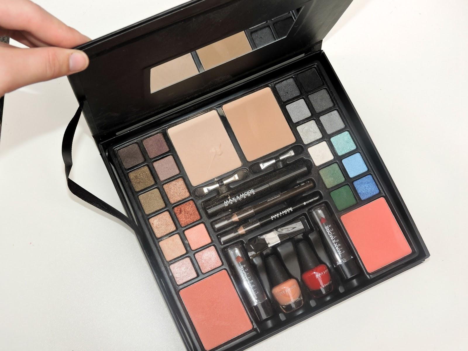 Une palette de maquillage compl te sans se ruiner la blondassidue - Maquillage pas chere sans frais de port ...