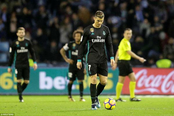 """Real gặp nạn: Ronaldo """"chân gỗ"""", Bale lên đồng, Zidane vẫn lo ngay ngáy 2"""