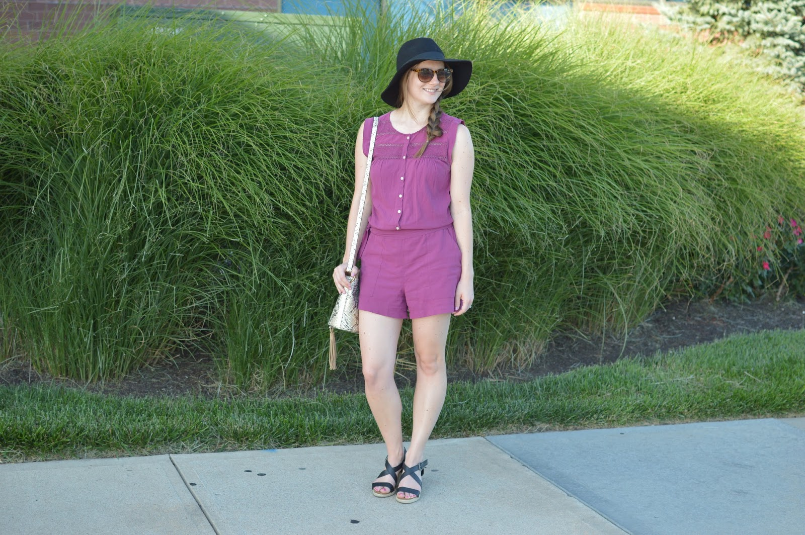 cute summer rompers | cute romper for summer | lace burgundy romper | a memory of us | summer outfit ideas | what to wear this summer | black wedges from bearpaw |