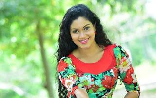 Gossip Chat With Sandani Tharuka Wanniarachchi