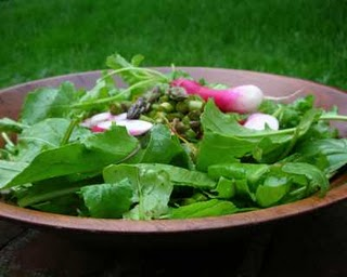 Gorgeous Raw Asparagus Salad, another healthy spring salad ♥ AVeggieVenture.com.