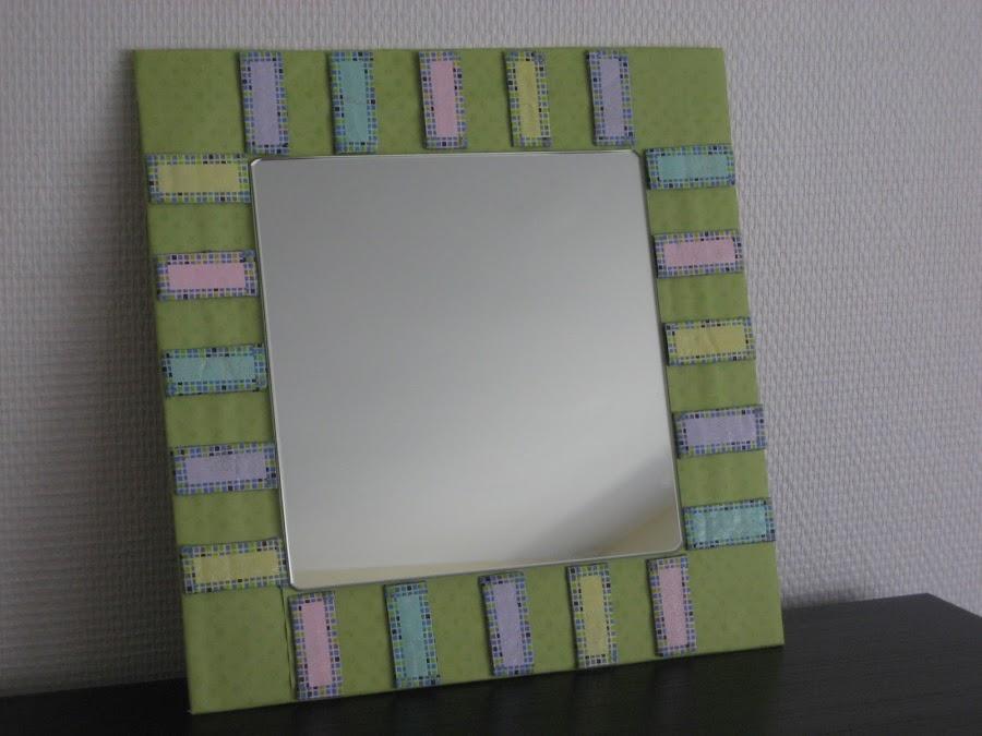 Marco hecho con caja de cartón