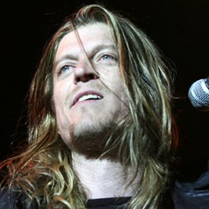 Puddle Of Mudd Walks Off Stage, Cutting Show Short, Due to