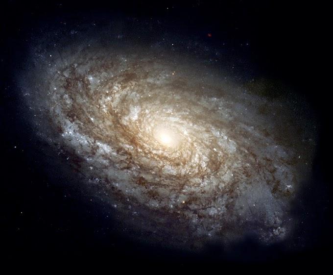 SEXTA DO HUBBLE: NGC 4414 - CONTRIBUIÇÕES PARA ESTIMARMOS A IDADE DO UNIVERSO!