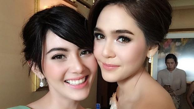 10 คู่เพื่อนรักดาราหักเหลี่ยมโหดที่คนไทยอยากให้คืนดี ชมพู่กับใหม่
