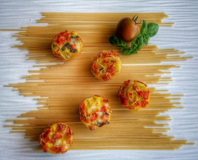 frittatine  spaghetti pomodoro mozzarella e basilico