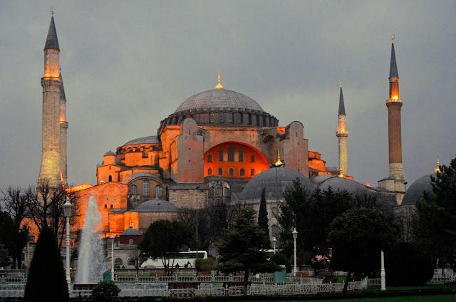 Η ΔΙ.ΣΥ.Π.Ε. καταδικάζει την προκλητική ενέργεια της Τουρκίας στην Αγία Σοφία
