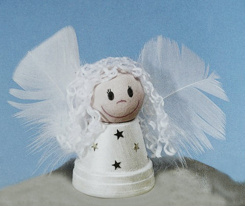Gk kreativ engel aus alten tont pfchen basteln - Engel basteln aus naturmaterialien ...