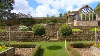 jardin decorado con piedras