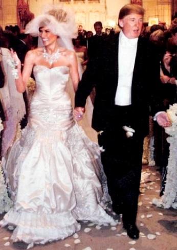 Foto de Donald Trump con su actual esposa en su matrimonio