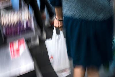 Maroc: saisie de 421 tonnes de sacs plastique depuis leur interdiction dans - ECLAIRAGE - REFLEXION a12