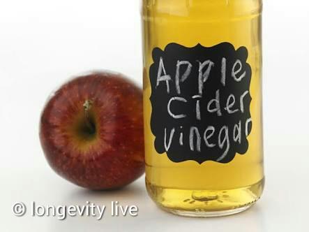 Advantages Of using Apple Cider Vinegar For Dandruff