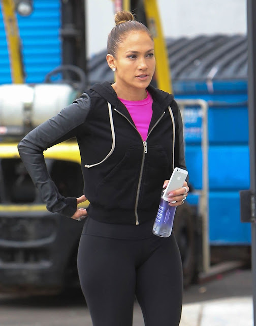 Jennifer Lopez Hot Booty & Cameltoe in Tights legging Out in Los Angeles