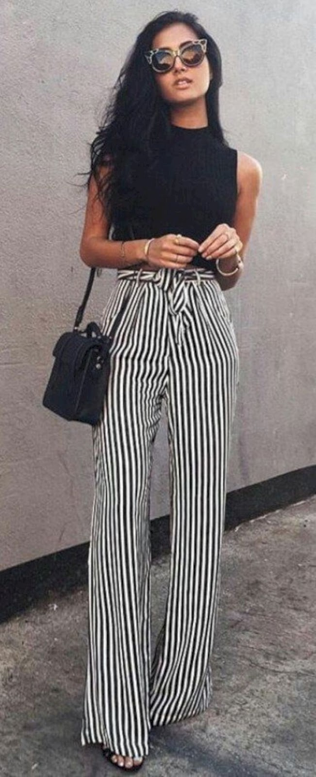 black and white outfit idea / top + wide striped pants + bag