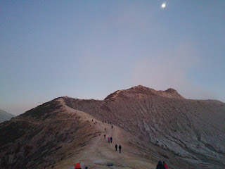 Sunrise view point at Mount ijen