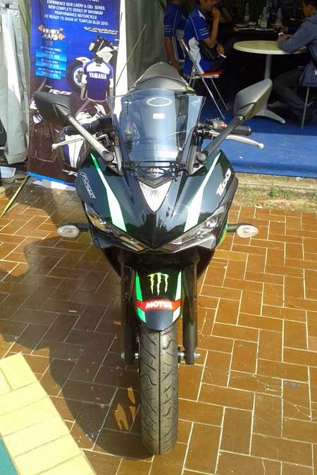 gambar Yamaha R25 Monster Tech 3