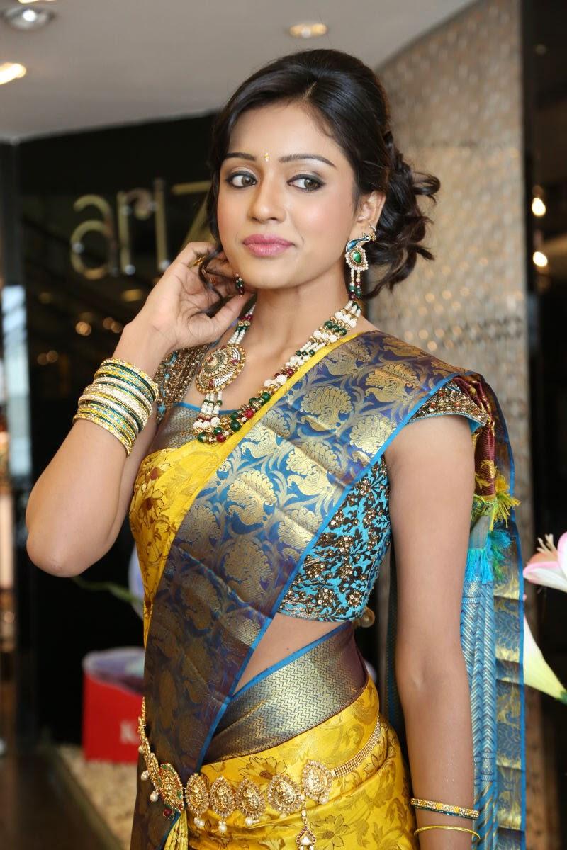 naked girl saree photos