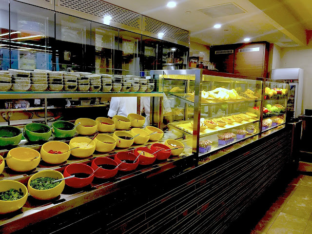 Hua Ting Steamboat restaurant interior