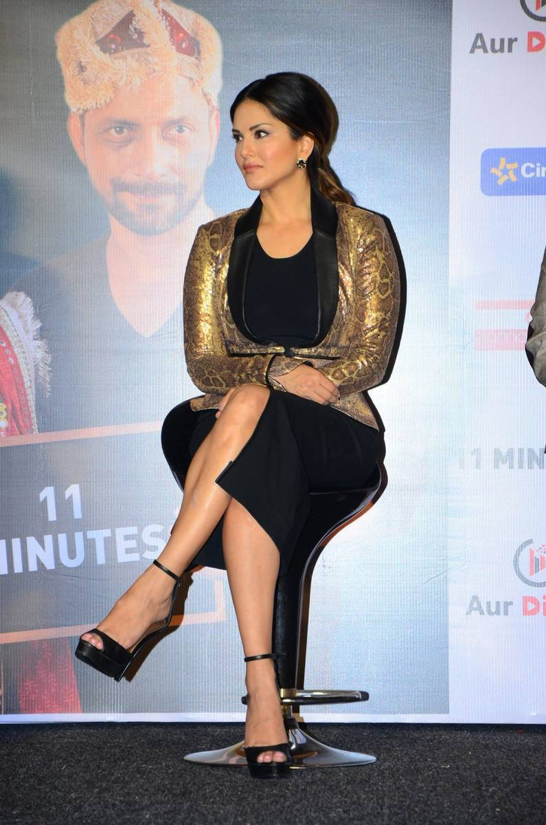 Sunny Leone Latest Hot Legs