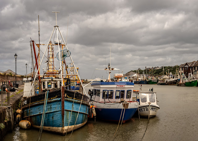 Photo of more fishing boats at high tide