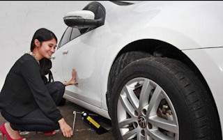 Cara Mengganti Ban Mobil Yang Benar