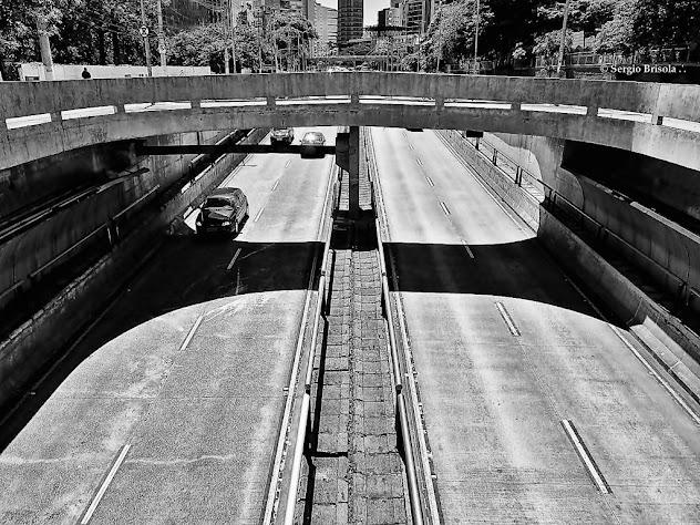 Vista superior da entrada dos Túneis Sebastião Camargo e Jânio Quadros - Itaim Bibi São Paulo