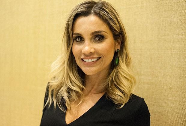 4769df2c1 A atriz Flávia Alessandra contou para a Revista Marie Claire quais são as  dez coisas fundamentais para ter um verão perfeito. Confira.
