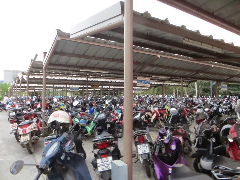 Парковка скутеров Таиланд