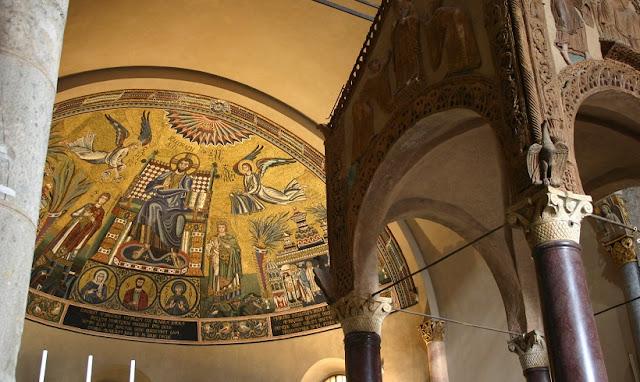 O que fazer na Basílica di SantAmbrogio em Milão