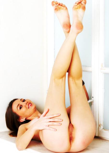 18 эротика голых писек WWW.EROTICAXXX.RU письки молодых моделей (18+ фото)