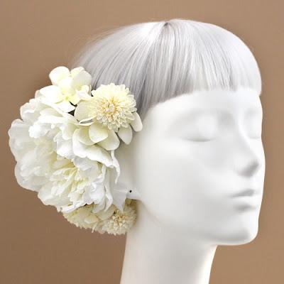 白小菊と芍薬の髪飾り_ウェディングヘッドドレス&花髪飾りairaka