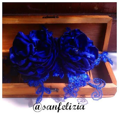 Hiasan rambut pesta simple buatan tangan dengan bunga-bunga handmade dan kristal by sanfelizia jewellery .